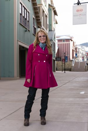 Lea Thompson wearing a Laundry by Shelli Segal