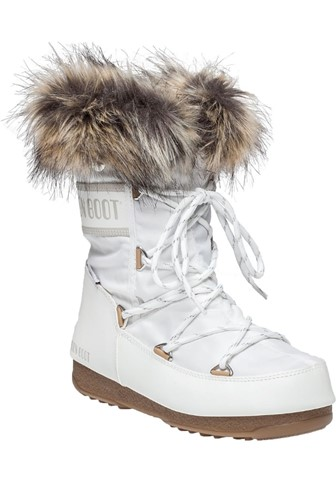 moon boot winter feet
